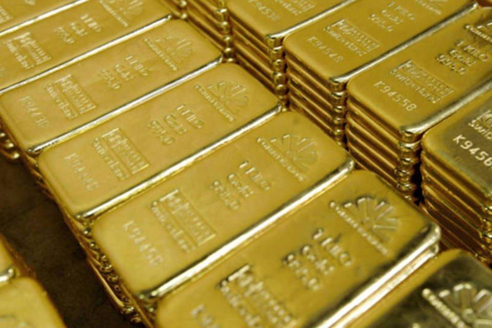 Barras de ouro em uma refinaria da Argor-Heraeus em Mendrisio, Suíça