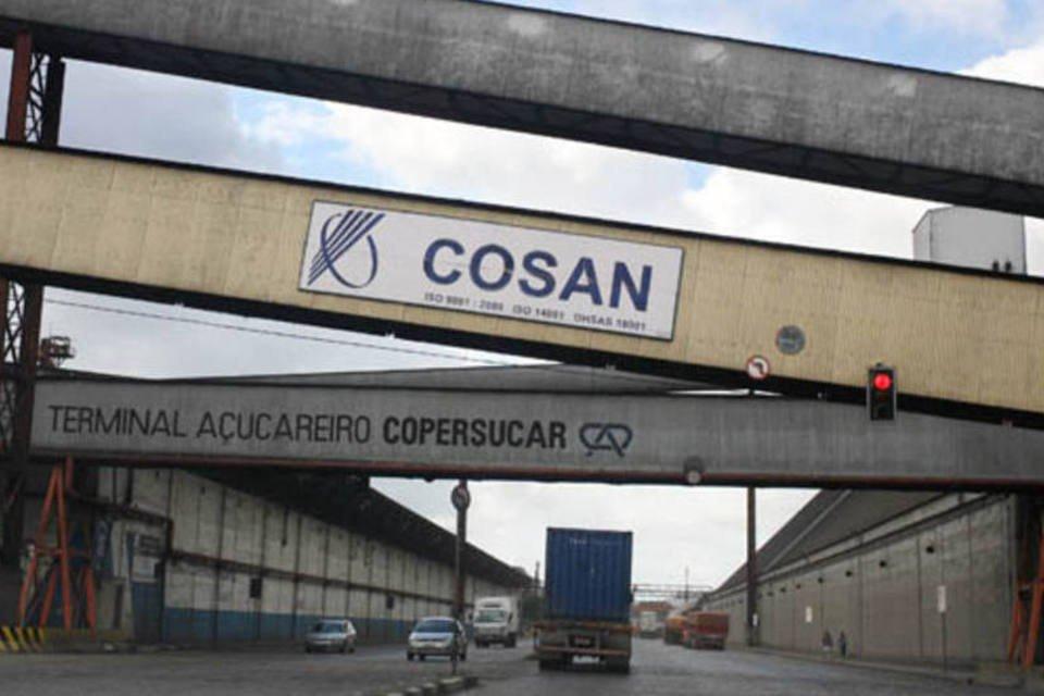 Terminal da Cosan no Porto de Santos, em Santos