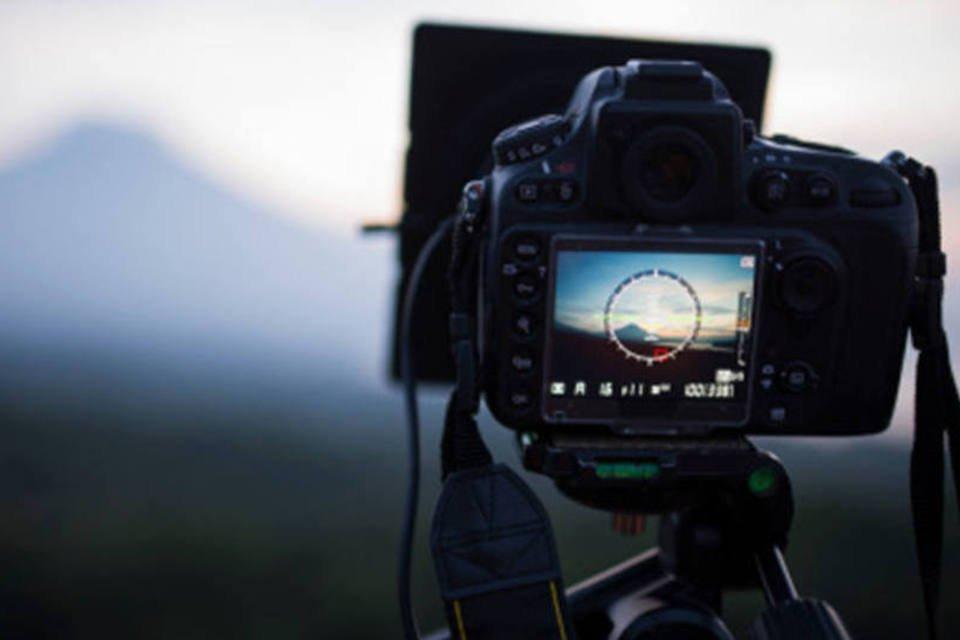 câmera fotografando