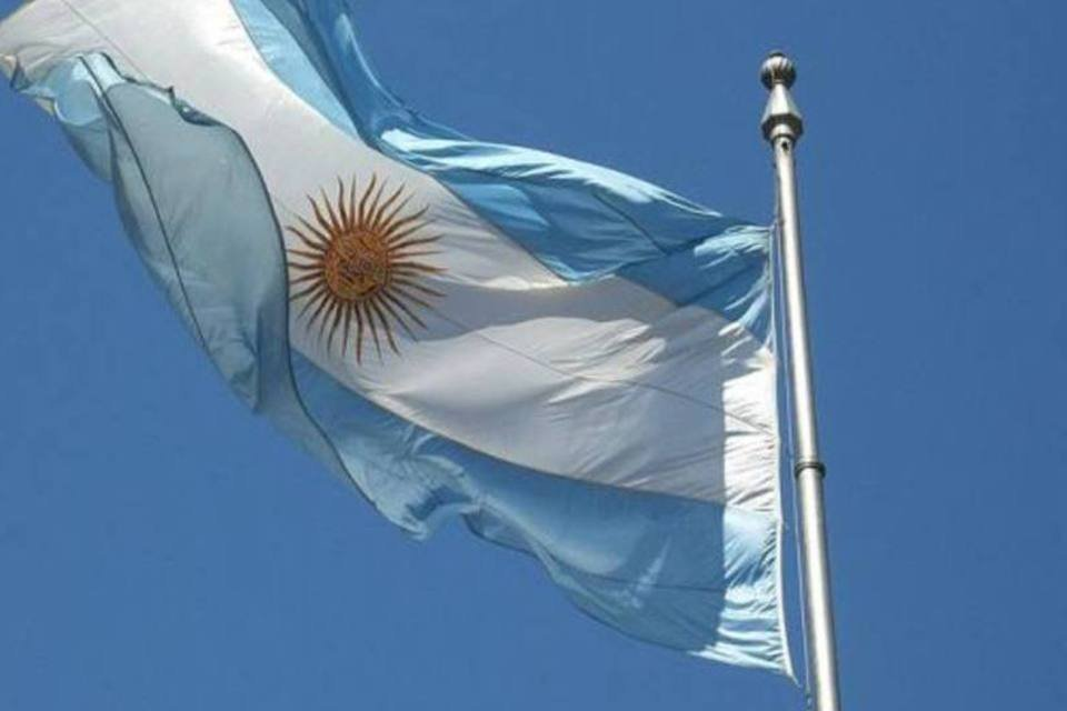 Bandeira da Argentina tremula em Buenos Aires