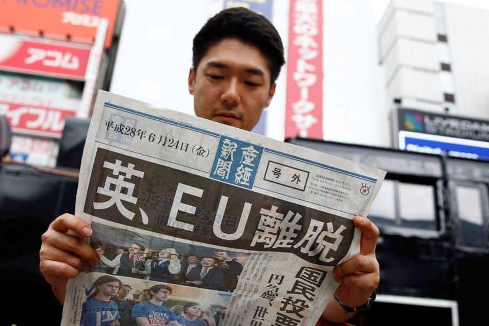 Jornal sobre a saída britânica da União Europeia, no Japão, dia 24/06/2016