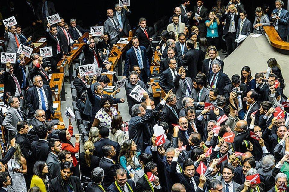 Deputados e o pedido de impeachment, na Câmara