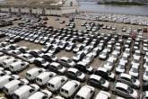 Carros para exportação em pátio do Porto do Rio