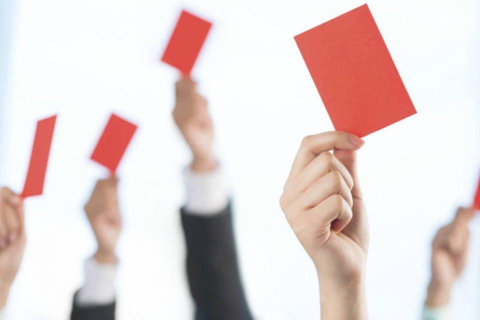 Executivos levantam cartão vermelho (erro)