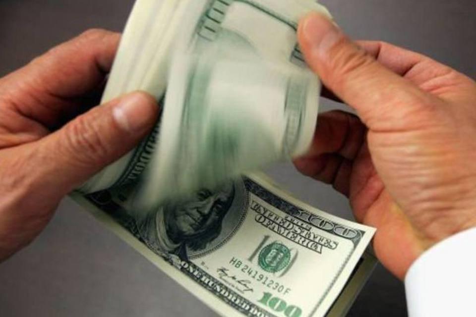 Contando dólares