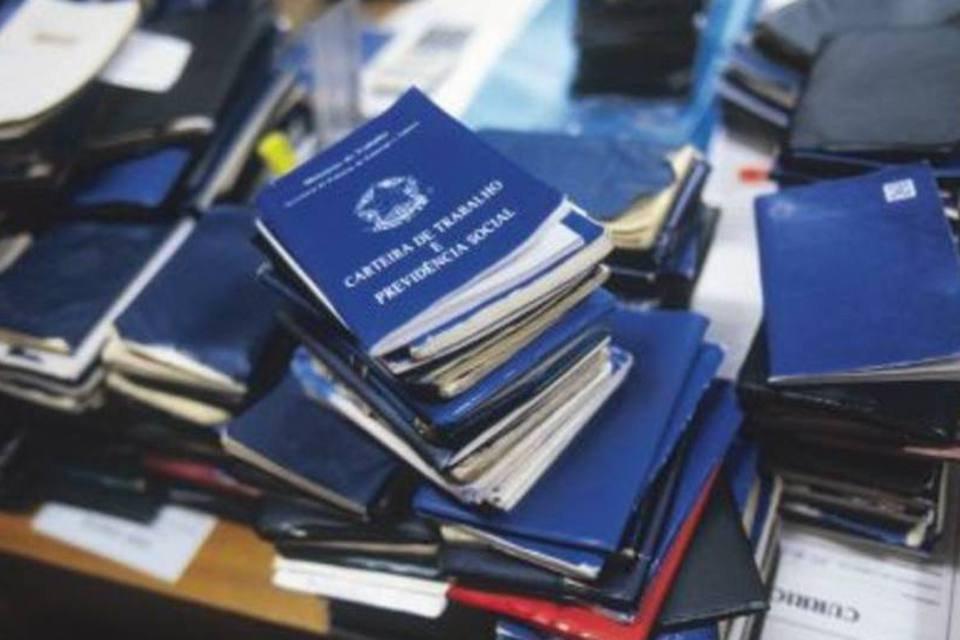 Reforma trabalhista mexe em 100 pontos da CLT
