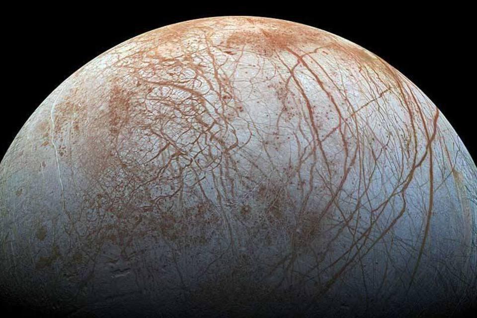 Europa, uma das luas do planeta Júpiter