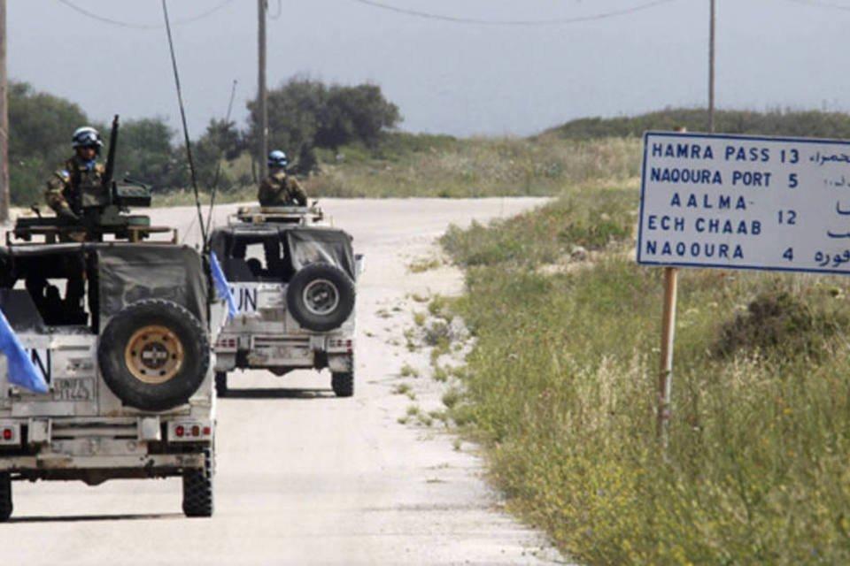 O exército de Israel elevou neste domingo o nível de alerta nas fronteiras do país com o Líbano e a Síria