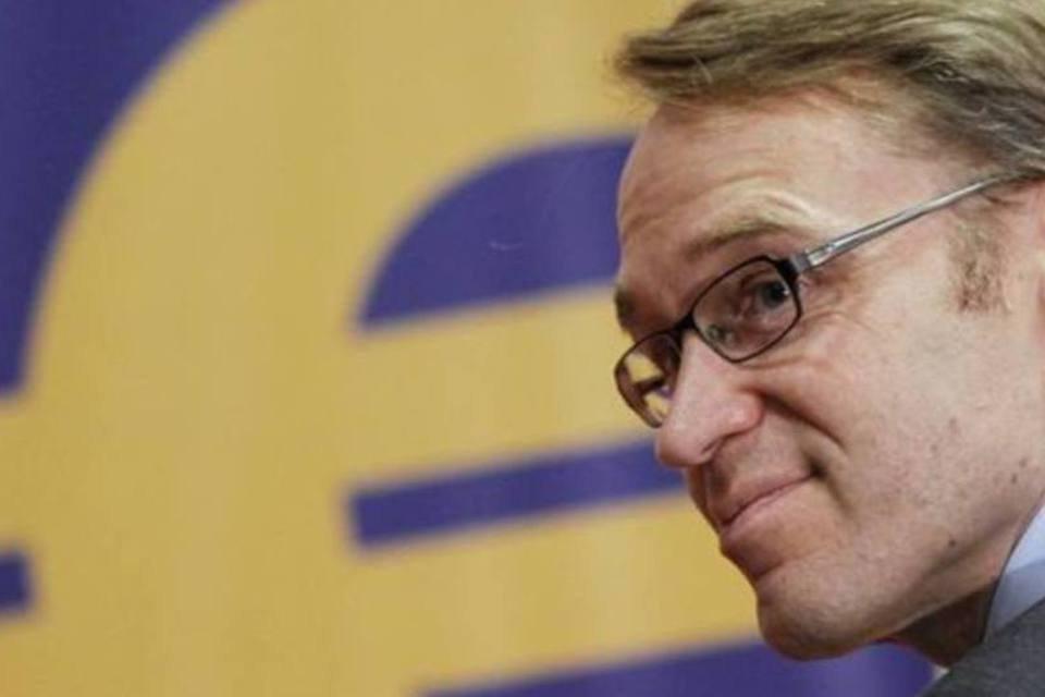 Jens Weidmann, presidente do banco central alemão, vai à cerimônia de premiação para estudantes europeus na sede do Banco Central Europeu em Frankfurt