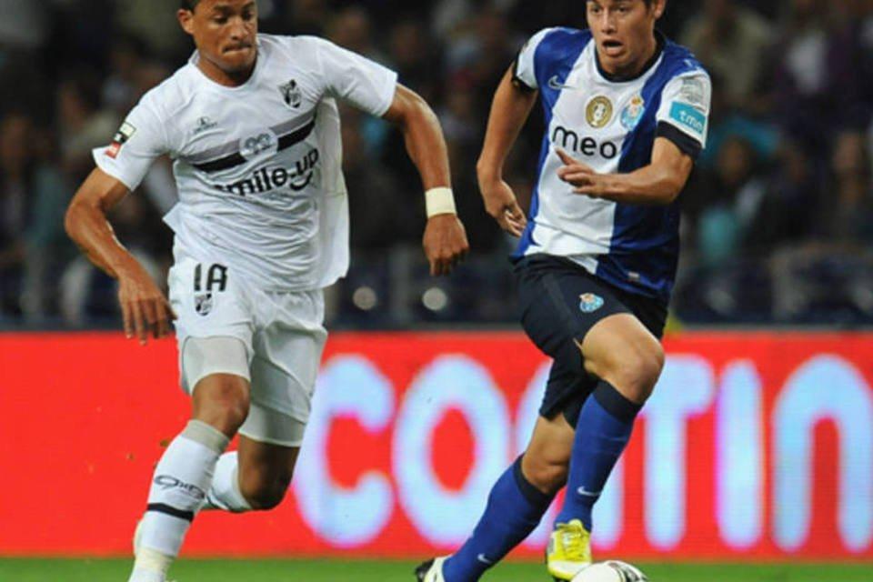 Jogador do Porto domina a bola