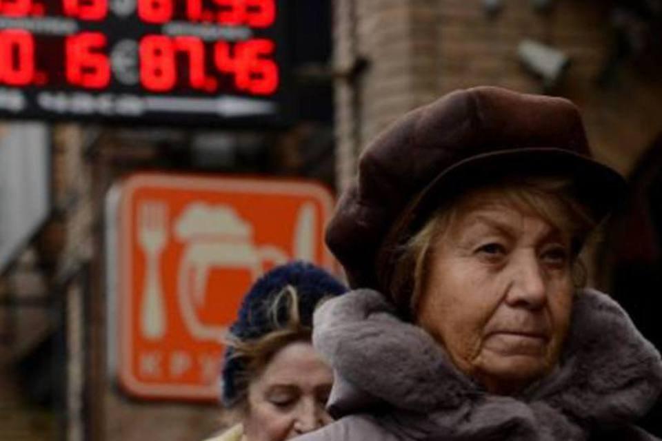 Painel exibe valor da moeda russa, o rublo