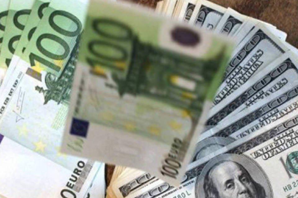 Notas de Euro e Dólar