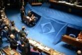 O plenário do Senado aprovou, em segundo turno, o texto-base da Proposta de Emenda à Constituição 43/2013, conhecida como PEC do Voto Aberto