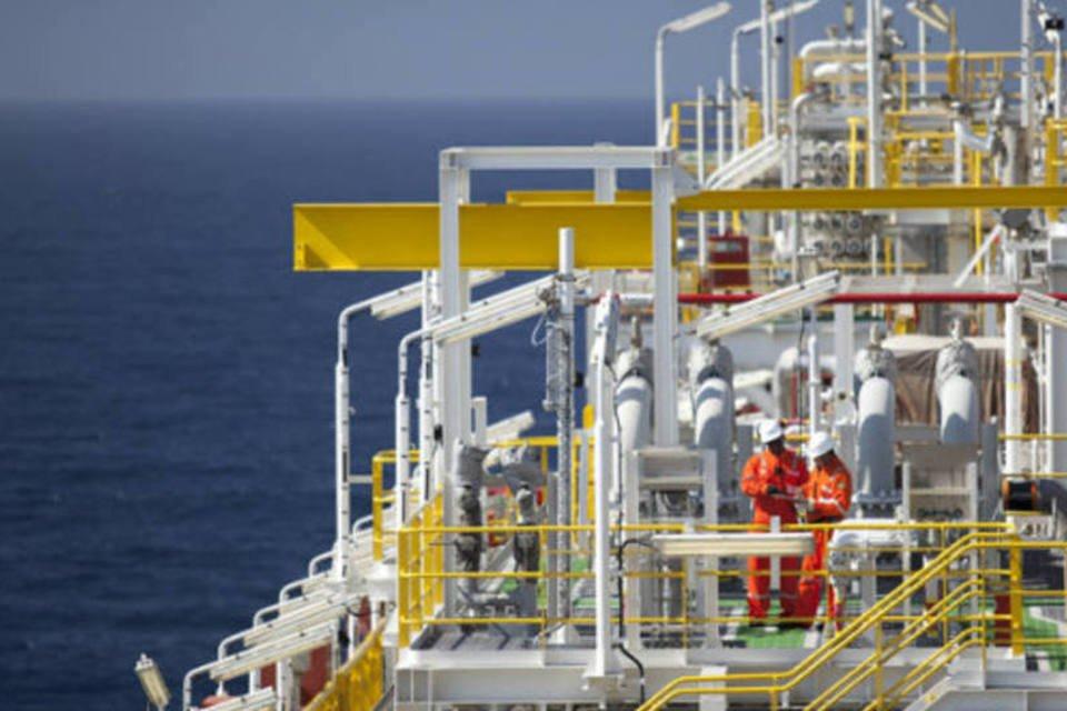 Plataforma de petróleo da OGX na Bacia de Campos