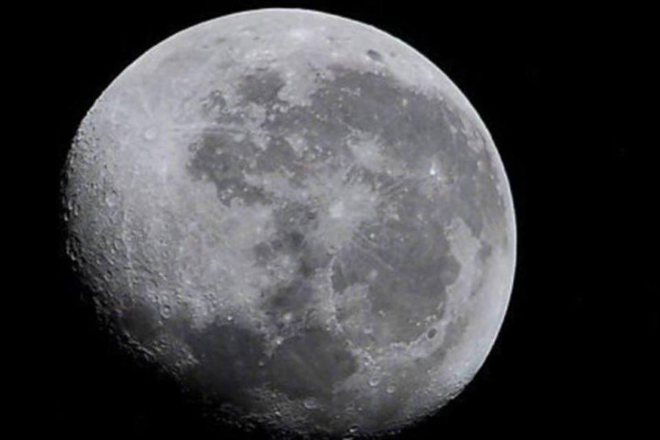 Imagem da Lua capturada por astronautas, 5 de outubro, 2001