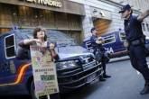 Protesto em frente ao banco Caja Madrid