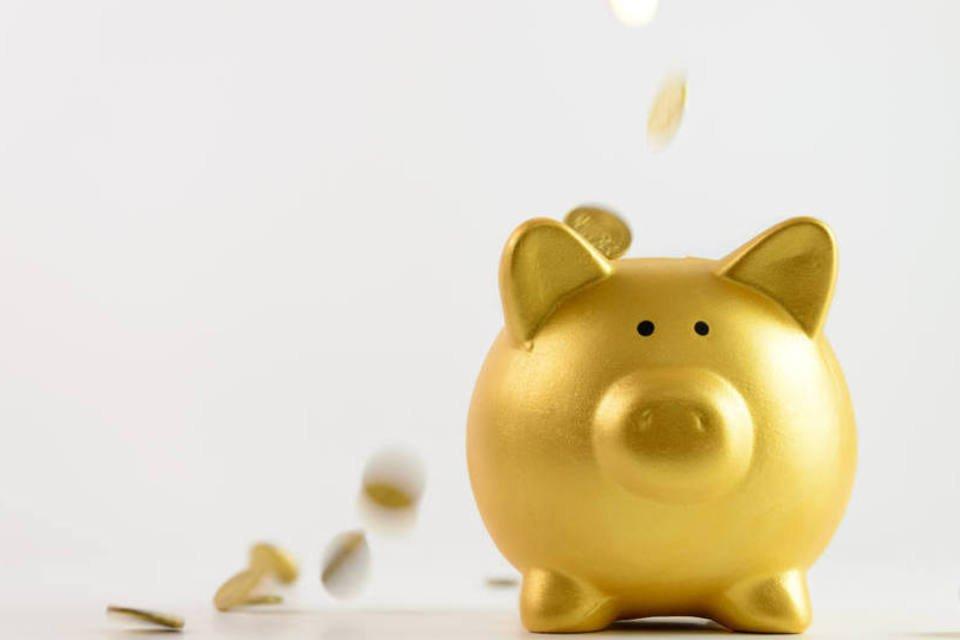 Porquinho e moedas