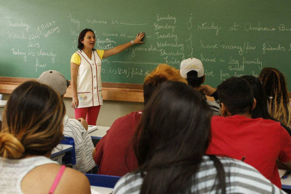 Professores do Paraná retornam às aulas após 29 dias de greve