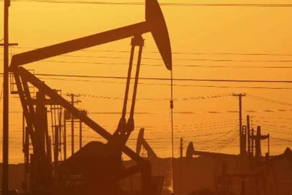 O consumo de petróleo no mundo deve aumentar em 1,1 milhão de barris diários (mbd) este ano