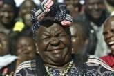 Sarah Obama, a avó postiça do presidente reeleito comemora o resultado das eleições em 7 de novembro em Kogelo