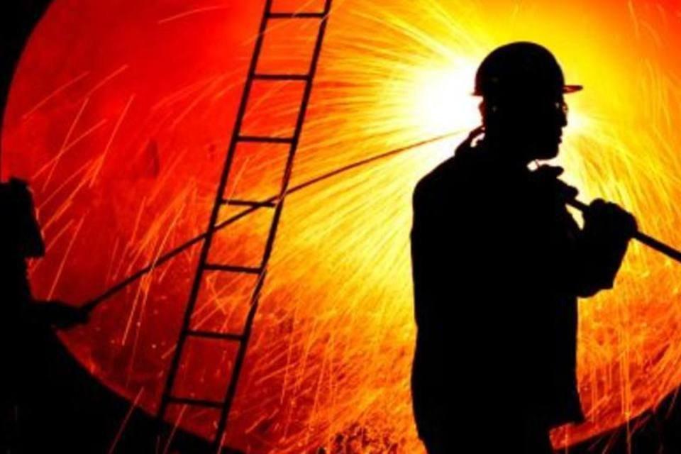 Trabalhador em indústria siderúrgica