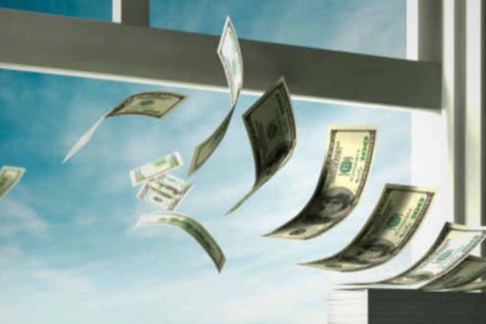 Dinheiro saindo pela janela