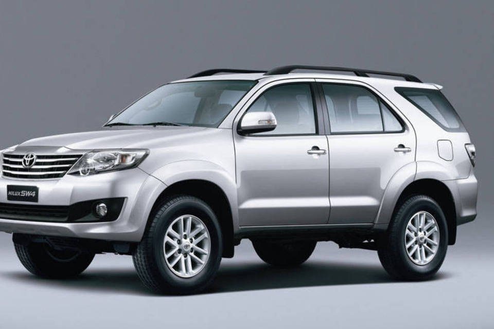 38 - Hilux SW4