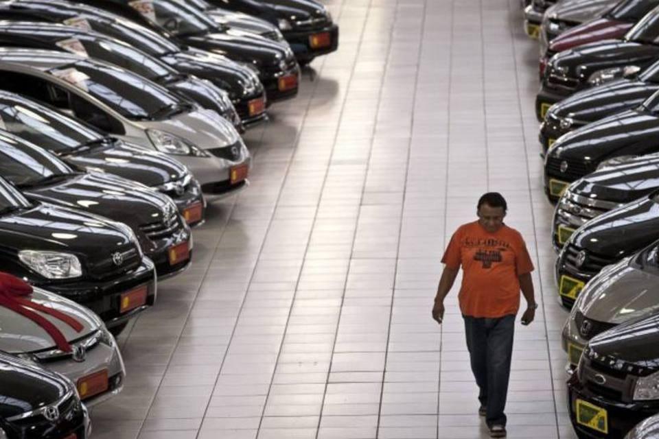 Venda de veículos tem queda de 7,43% em agosto, mostra Fenabrave