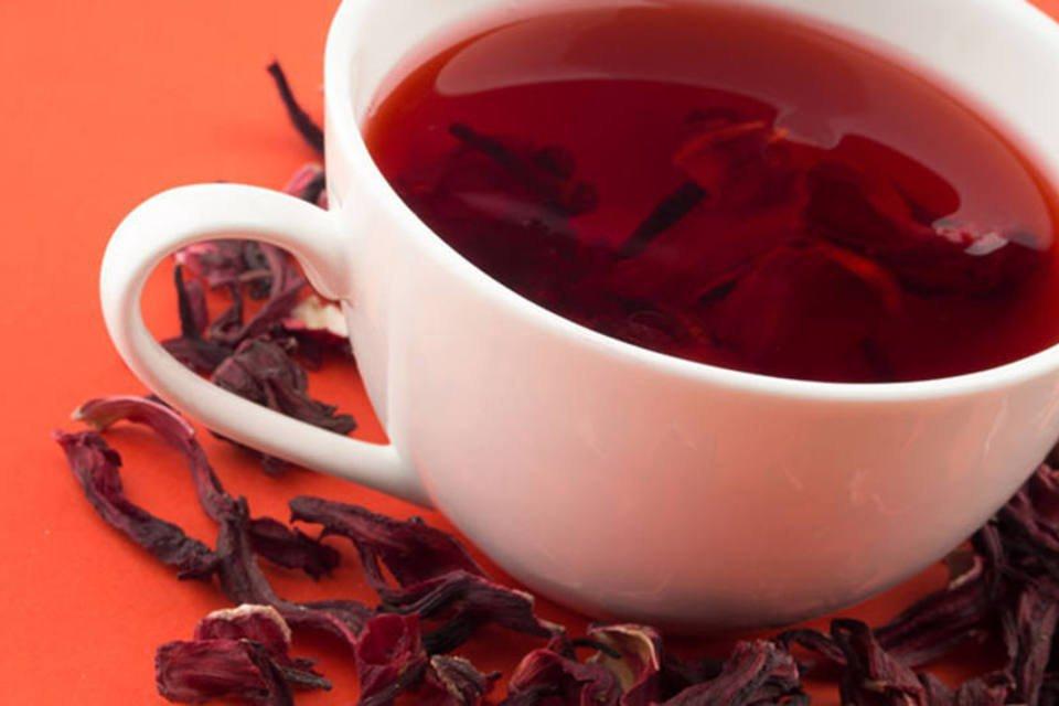 Consumo do chá de hibisco requer moderação: veja os riscos | Exame
