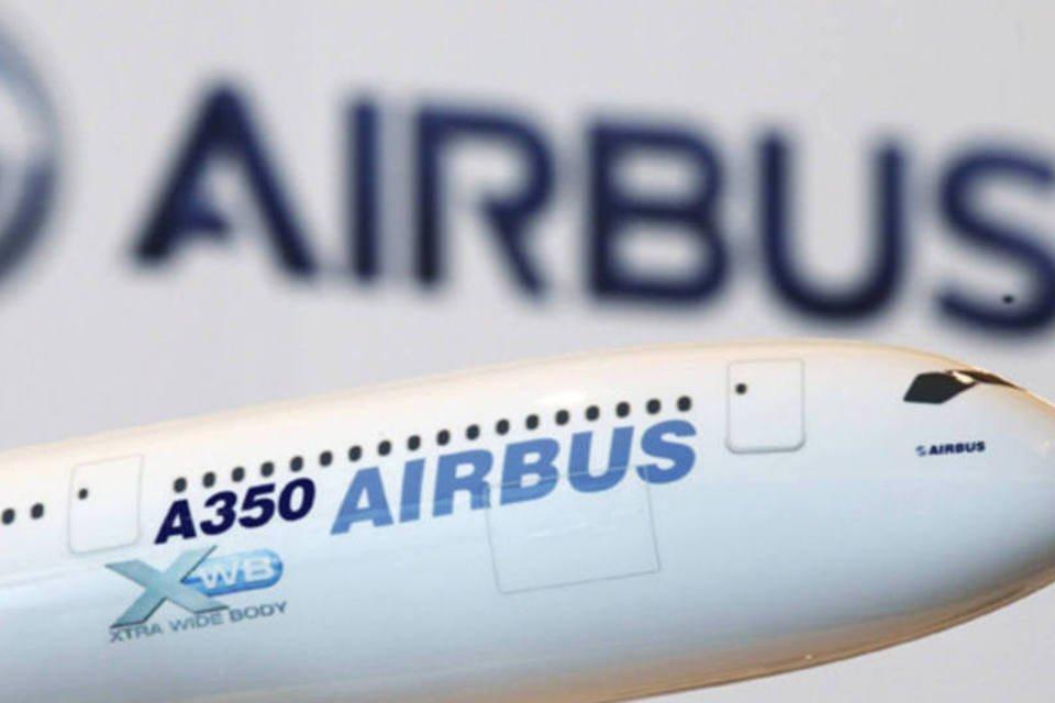 Modelo de uma aerobave Airbus A350, da EADS, é exibido em uma conferência em Hong Kong