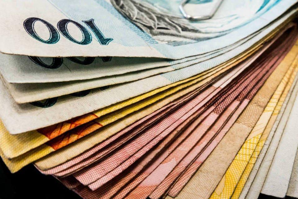 Diferença de salário entre SP e média nacional chega a quase 3 mil reais mensais