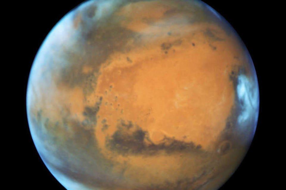 Cientistas italianos descobrem lago de água líquida e salgada em Marte |  Exame