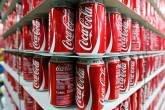 Latas de Coca-Cola: brasileiros tomariam menos refrigerante se preço aumentasse