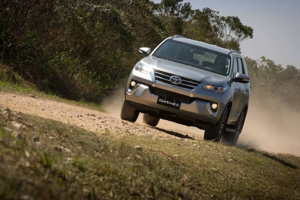 36 - Hilux SW4