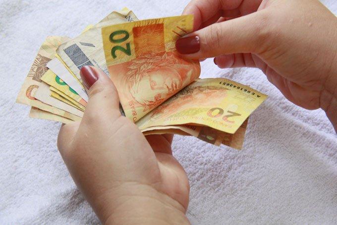 Dinheiro; real