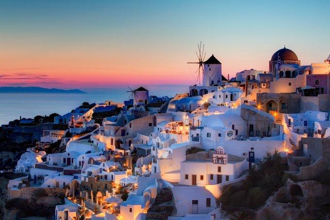 Pôr do sol em Santorini, na Grécia