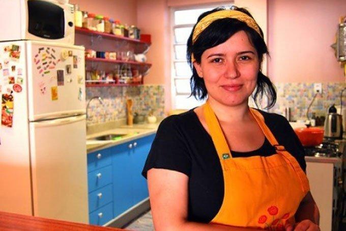 Amigos incentivaram Dani Borges a abrir a casa para cozinhar