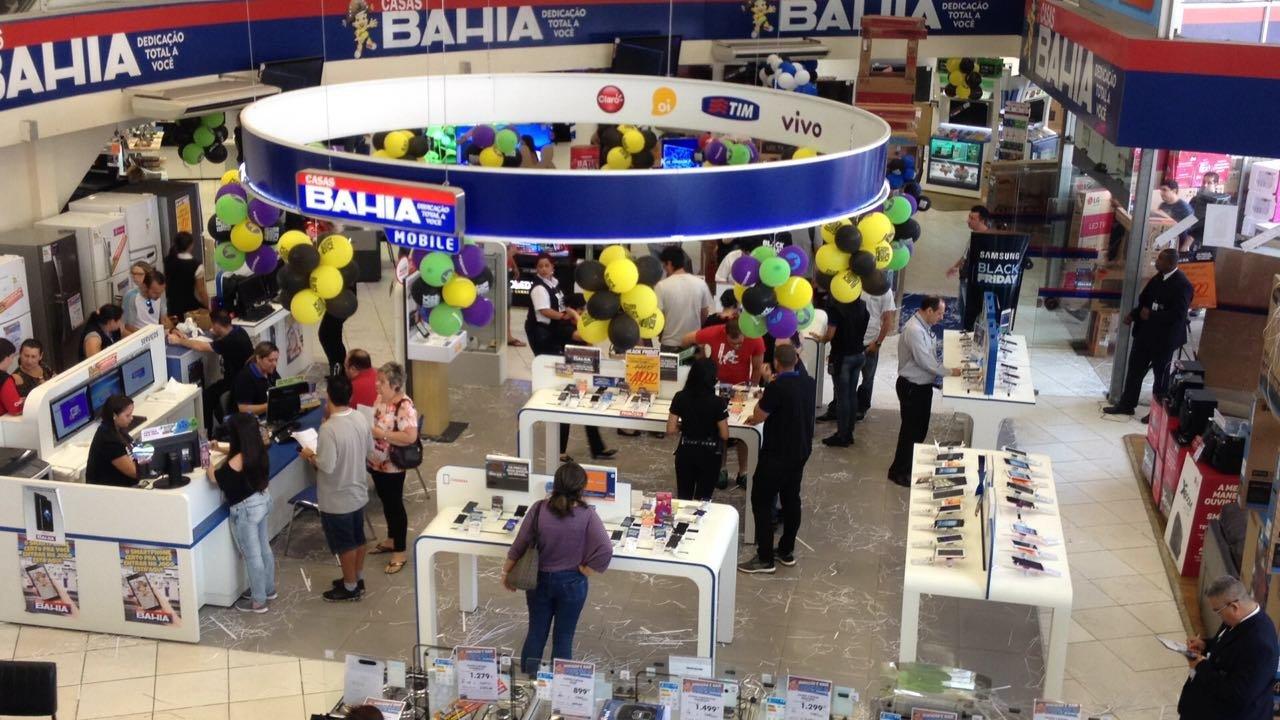 Loja no formato store in sote da Casas Bahia, da Via Varejo, para a venda de smartphones