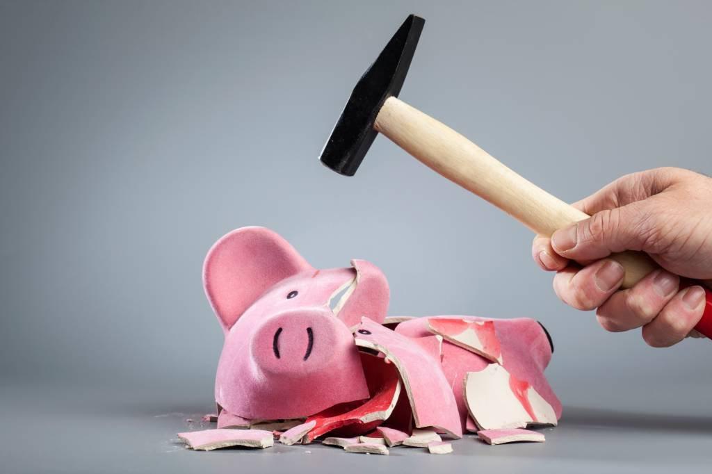 A poupança está rendendo tão pouco que a diferença para a inflação é a maior em 17 anos