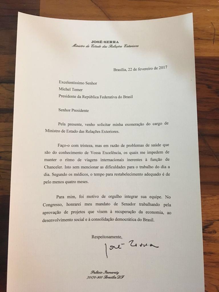 Foto da carta de demissão de José Serra do Itamaraty, dia 22/02/2017