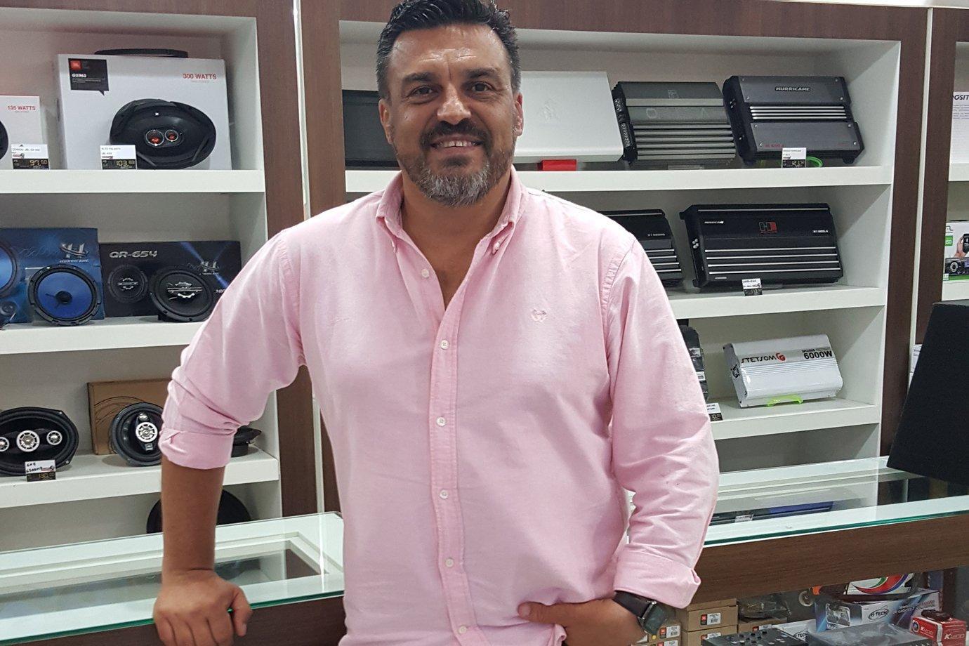 Ednilson Brandão, dono da loja QualitySP.com no Mercado Livre