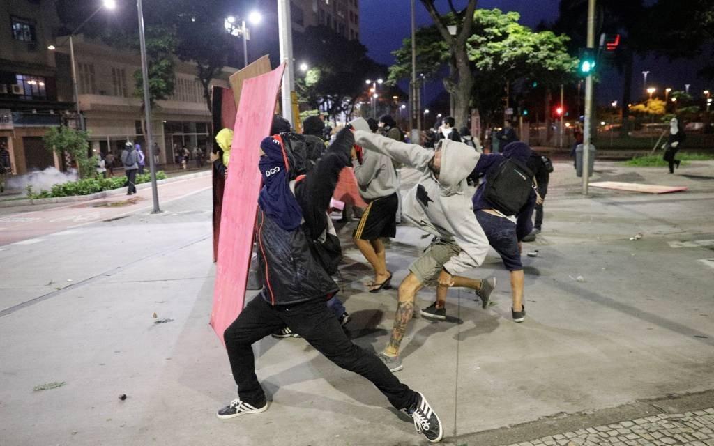 Protesto durante greve geral termina com violência no Rio de Janeiro, dia 28/04/2017