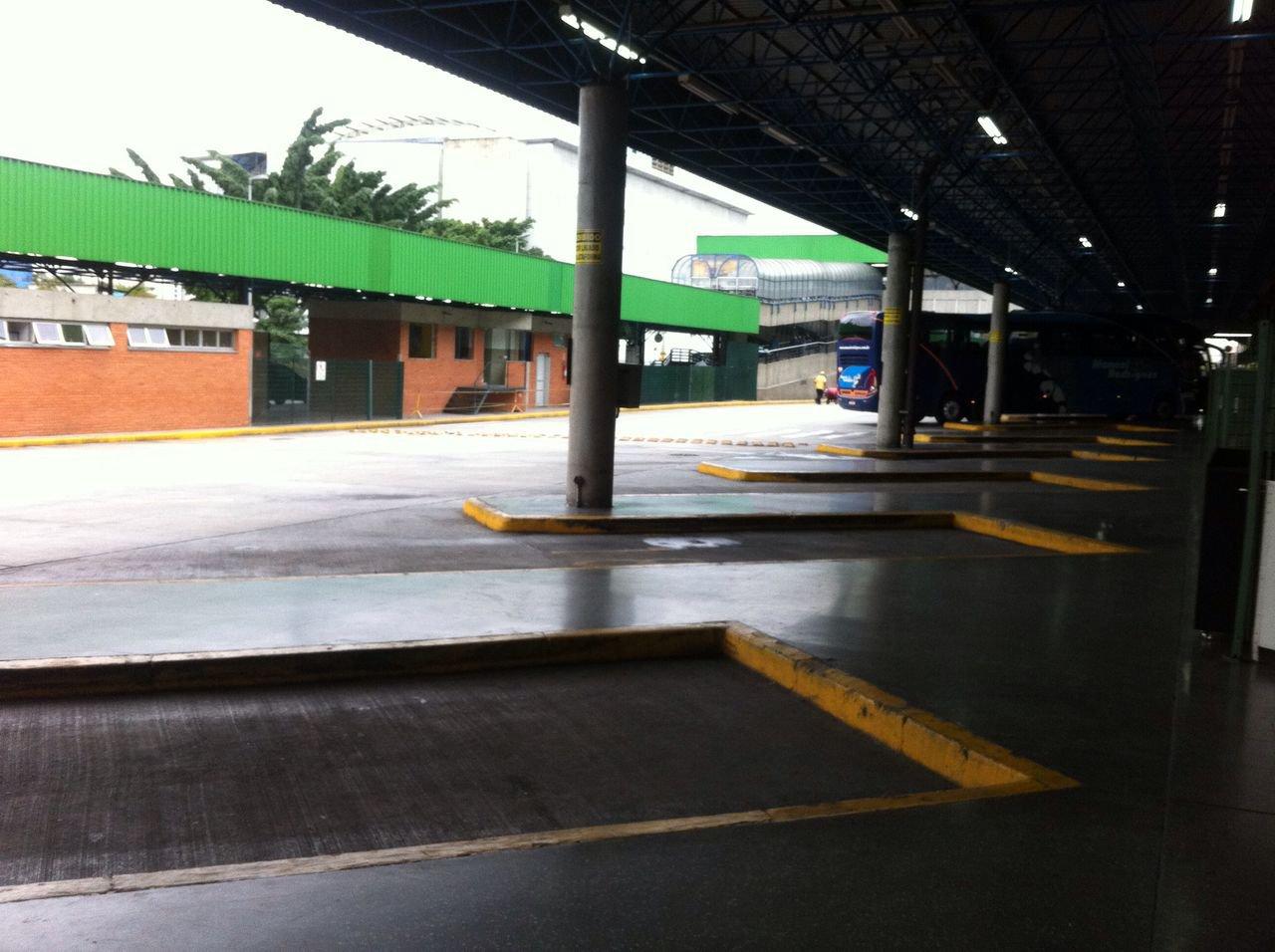 Rodoviária da Barra Funda vazia durante greve geral (28/04)