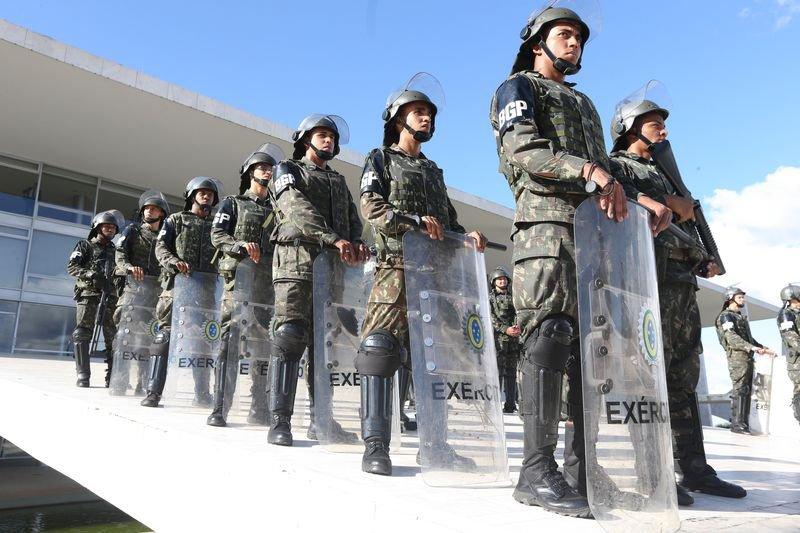 Brasília - Segurança é reforçada no Palácio do Planalto em dia de protestos contra o presidente Michel Temer, 25/05/2017