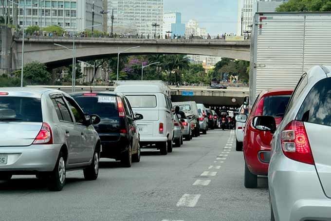 Congestionamento em São Paulo; trânsito em São Paulo; carros