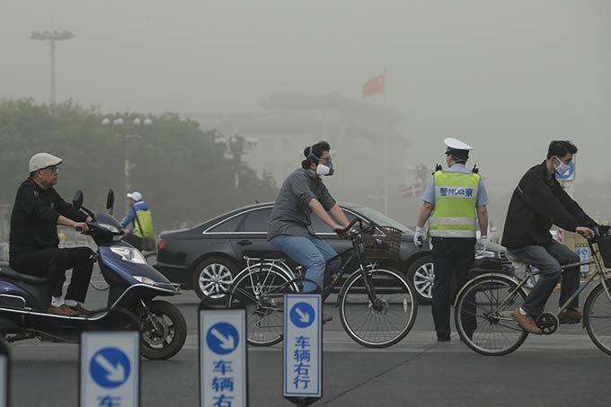 Tempestade de areia sufoca norte da China em 04.05.2017