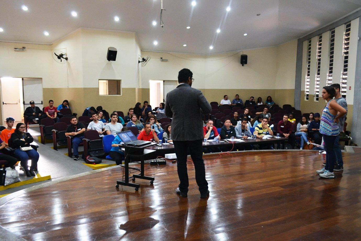Estudantes apresentam seus projetos na competição Startup In School