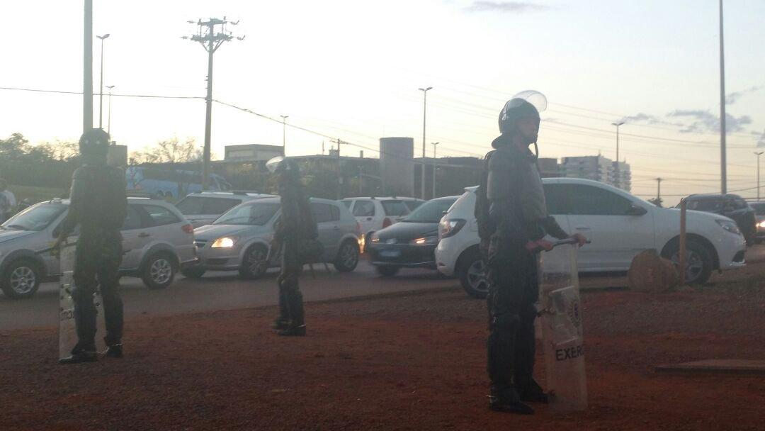 Exército chega a Brasília durante ato contra o governo Temer 24/05/2017