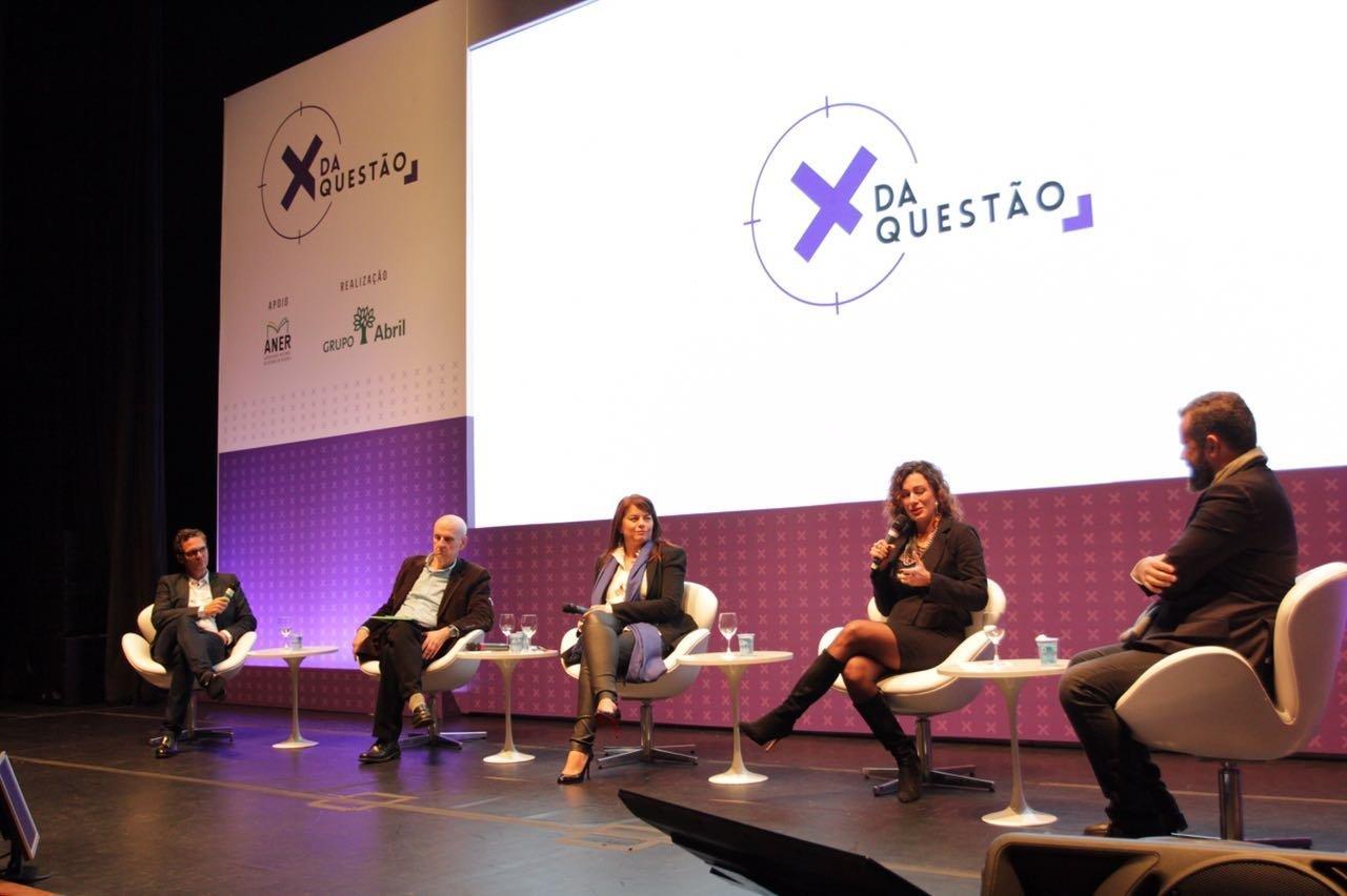 """""""O X da questão"""": David Laloun, Jaime Troiano, Paula Costa, Valéria Brandini e Renato Meirelles"""