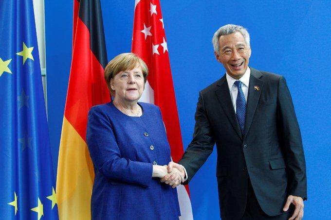 Chanceler alemã Angela Merkel, e o primeiro-ministro de Cingapura, Lee Hsien Loong